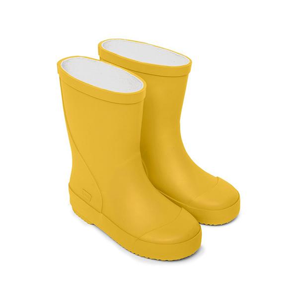 Botas de agua amarillas